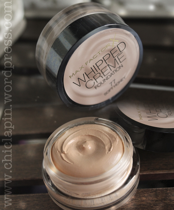 Max Factor New Whipped Creme Foundation Review, pictures, swatches www.chiclapin.wordpress.com